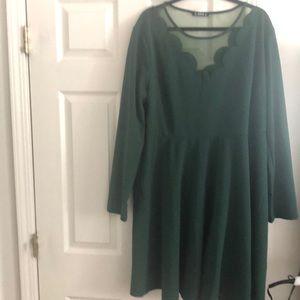 Emerald green long sleeve dess